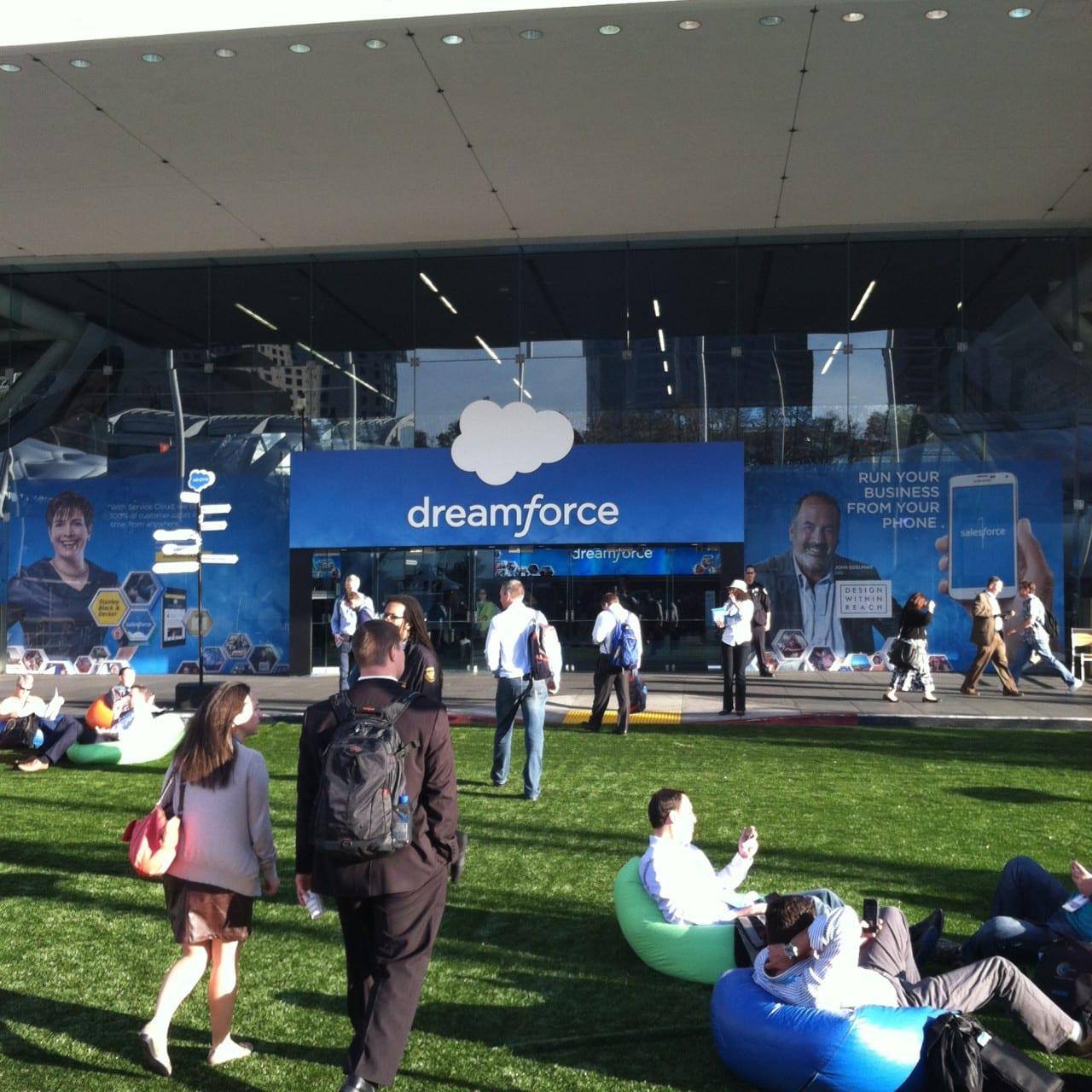 Dreamforce 2014 Plaza