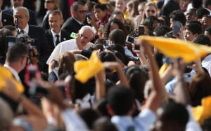 Pope Crowds 3_2015
