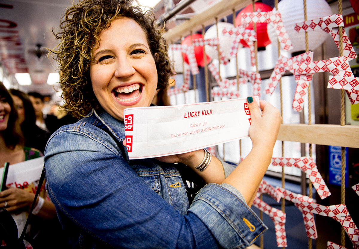 Uniqlo Promotes its Chicago Store Opening with Train Parties