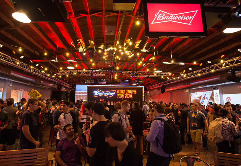 Beer Garage_Budweiser_2
