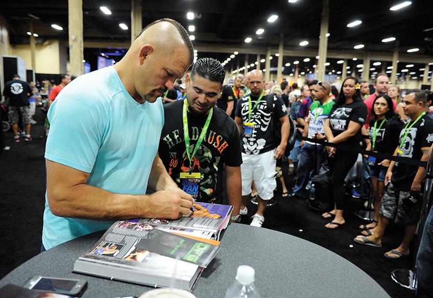 UFC Fan Expo 2014 IFW