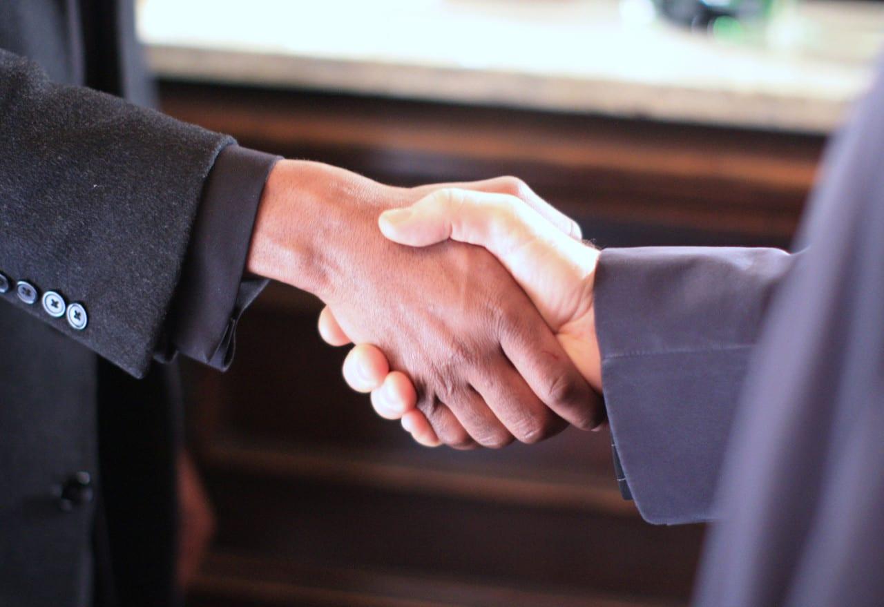 handshake_stock