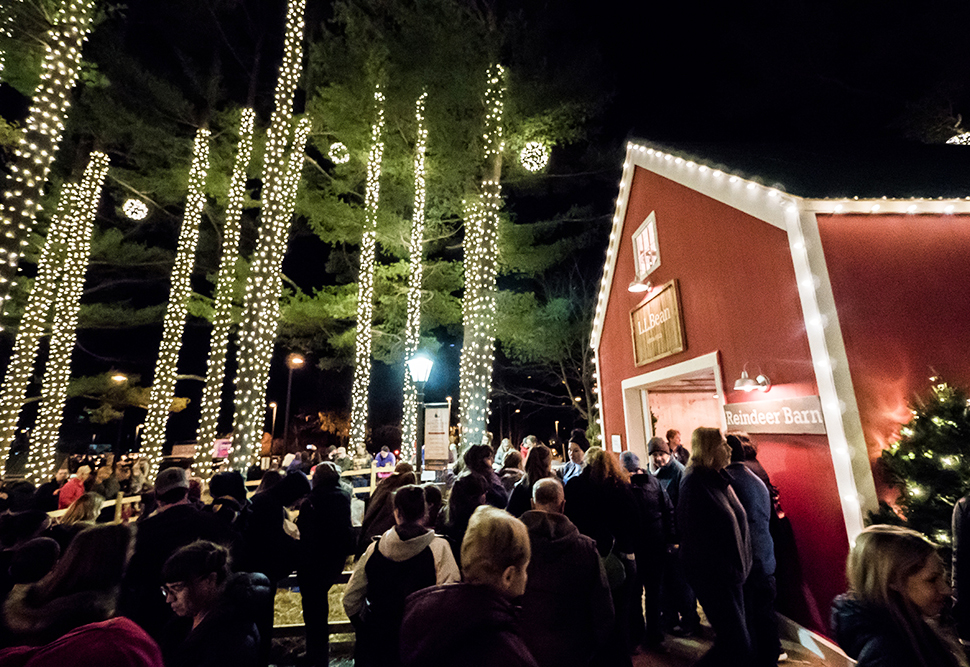 L.L. Bean's Holiday Installation Brightens Fourth-Quarter Retail Activity