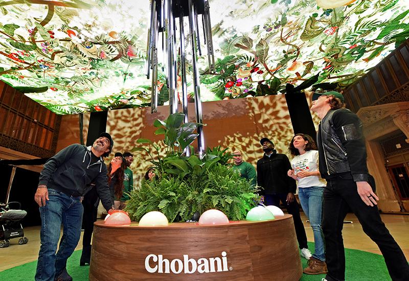 chobani-giving-tree-2018_closeu