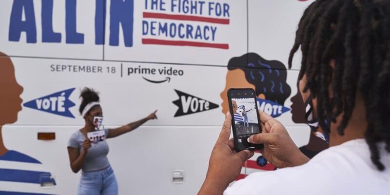 amazon studios-election-2020_bus-selfie-station