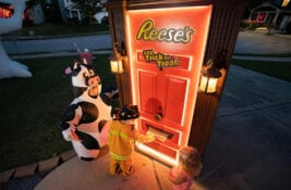 reeses-halloween-2020_hershey-photo-credit