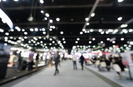 Stock_crowd_trade show