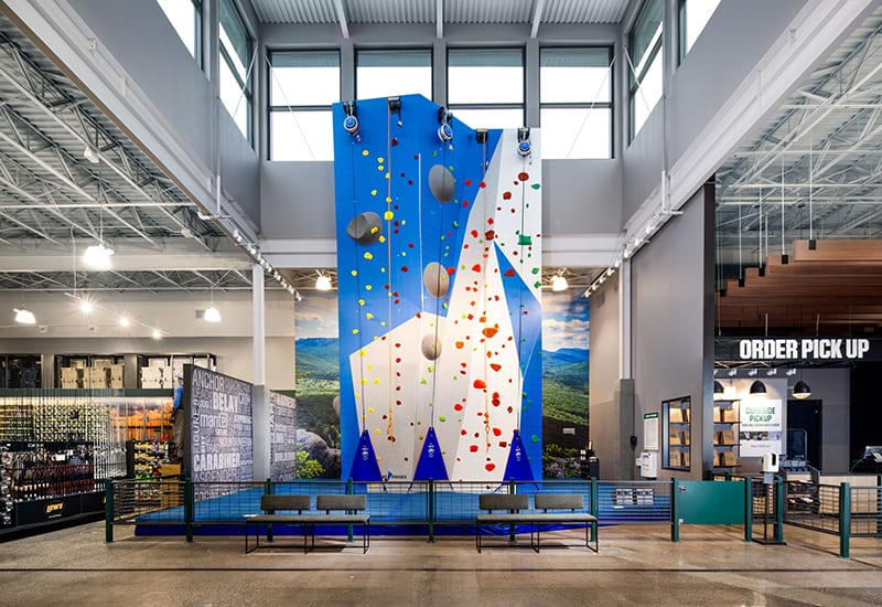 Experiential Retail_Dick's House of Sport_rock climbing wall