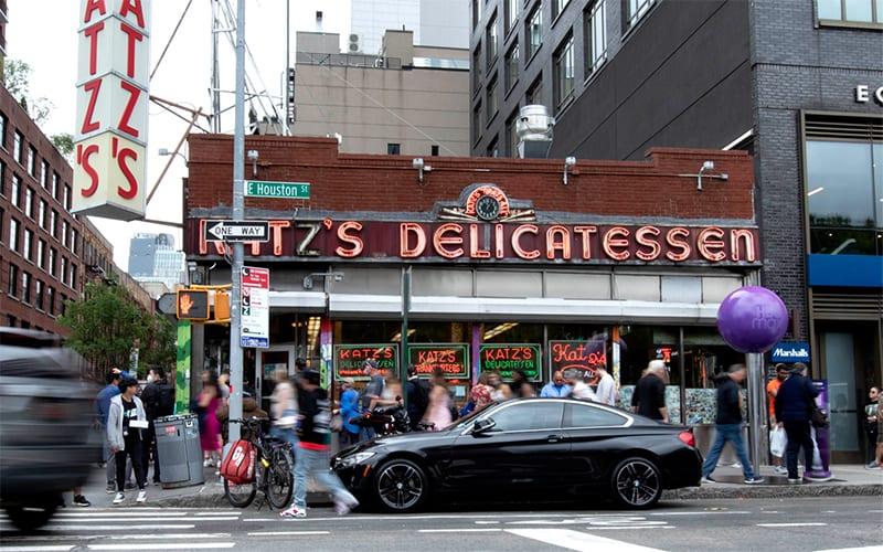 HBO walking tour_Katz's Deli exterior