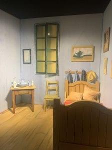 Bedroom for Selfies Van Gogh