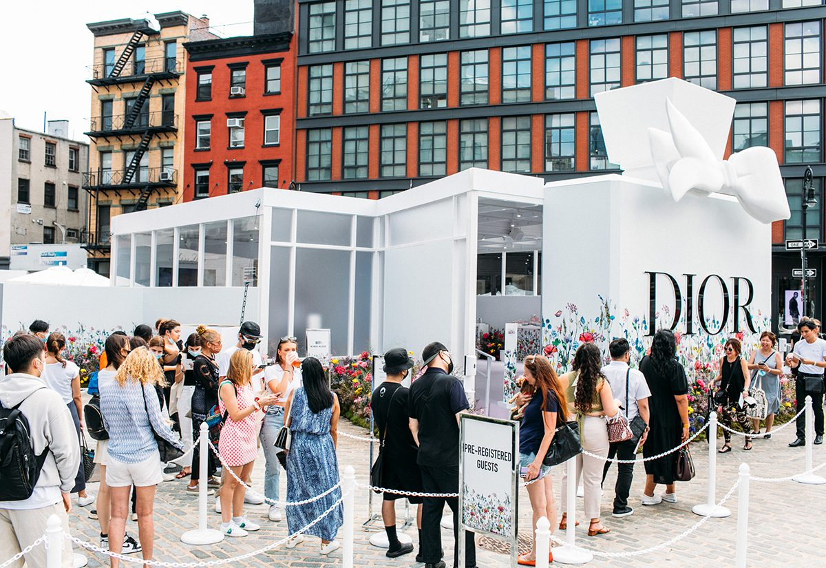 dior-nyfw-2021_outside pop-up structure